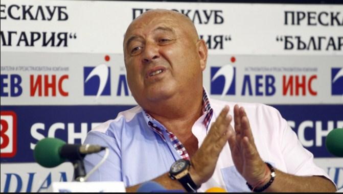 Венци Стефанов не иска реферът