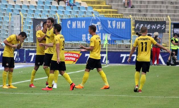 Футболистите на Ботев минават детектора на лъжата